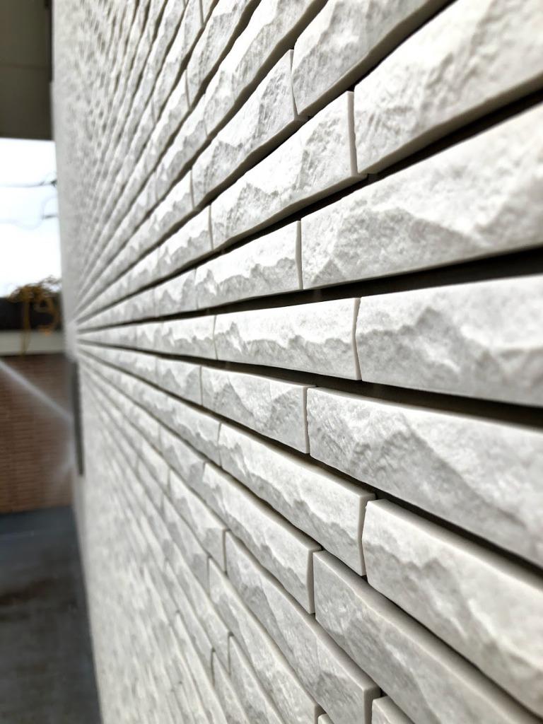 壁のタイル